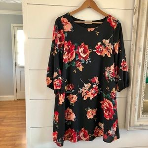 Everly Floral Dress Size Small